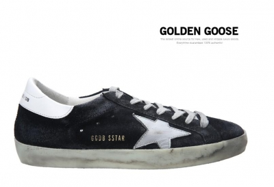 Golden Goose Deluxe Brand Womens Super Star Sneakers In Black Suede With White Leather Star